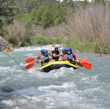 Descensos en canoas y rafting en Cofrentes